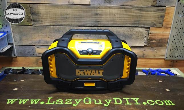 DeWALT 20v Max Bluetooth Radio & Battery Charger