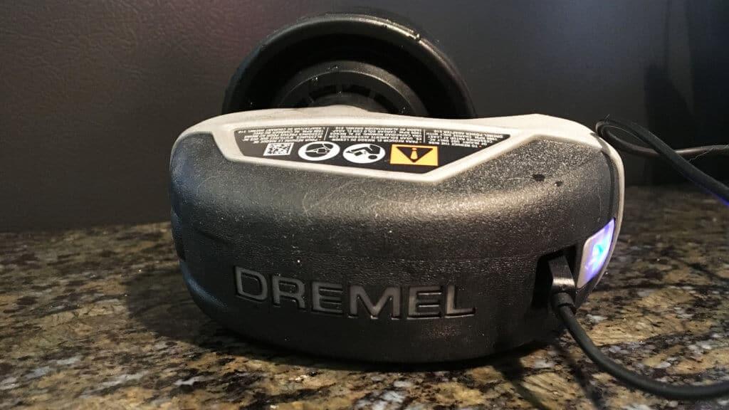 Recharging Dremel Versa