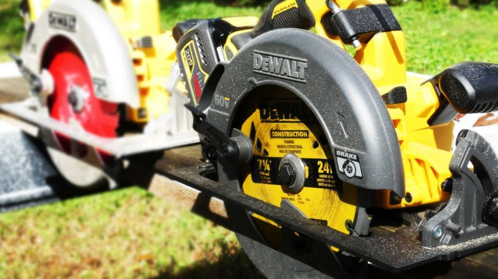 FLEXVOLT DeWALT vs 20v Max XR