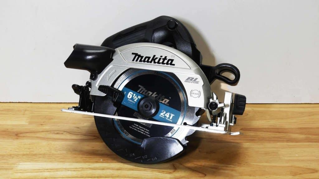 Makita XSH04 Sub-Compact Circular Saw