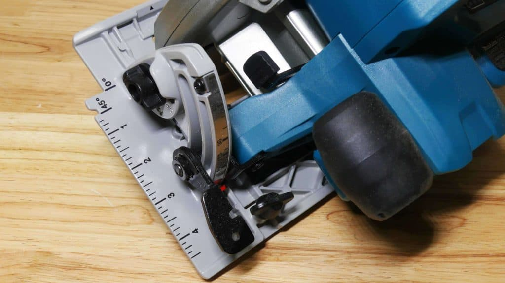 Makita XSH06 Circular Saw