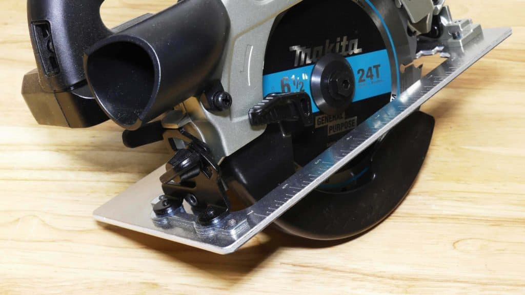 Makita XSH04 Circular Saw