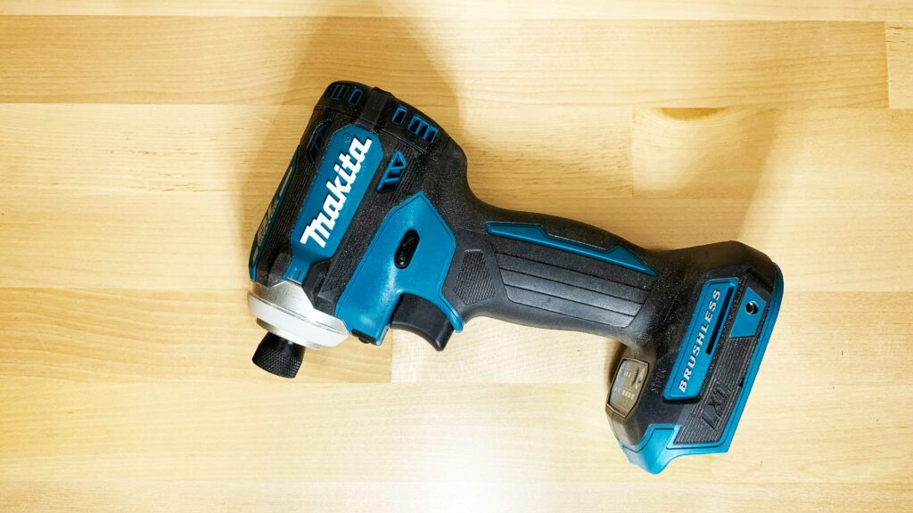 Makita XDT16 Profile