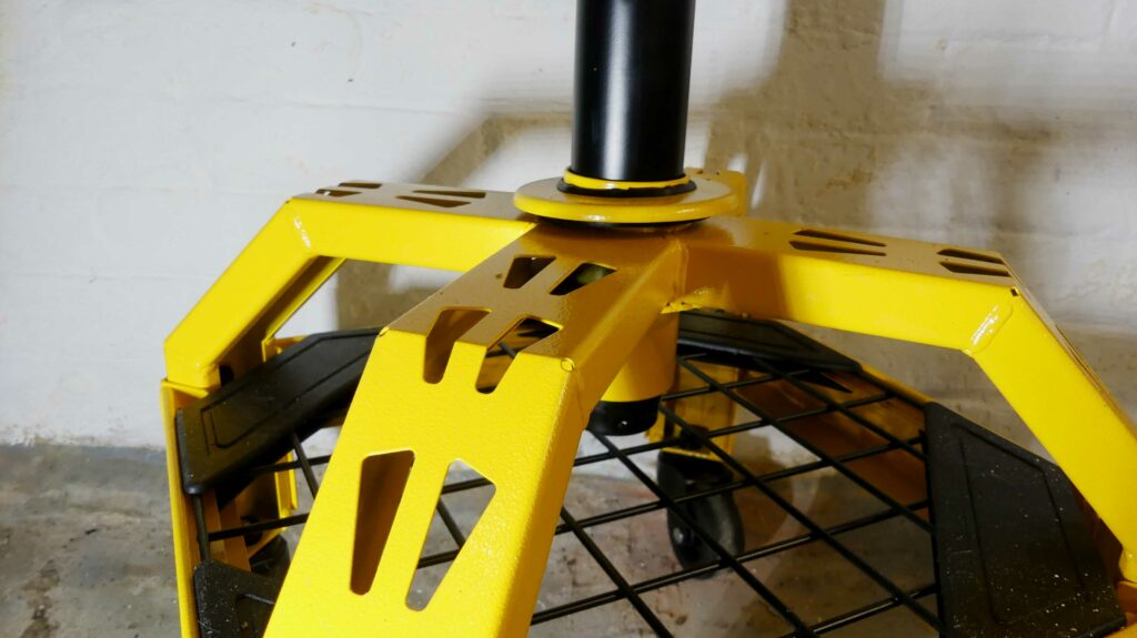 DeWALT Shop Stool